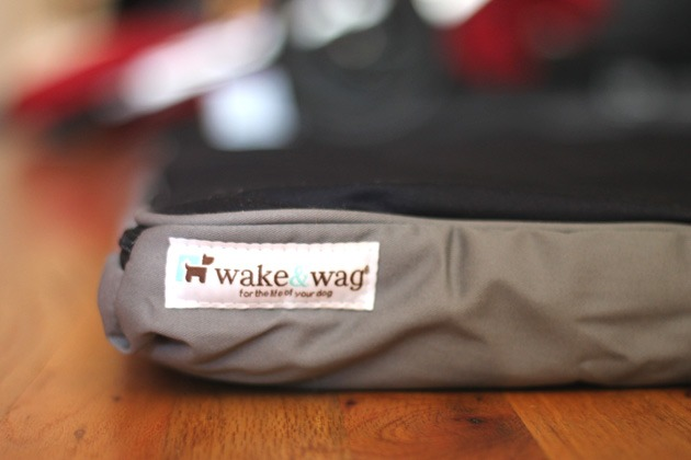 Wake & Wag – Hands-On Review of this Amazing Dog Bed Using Military Technology